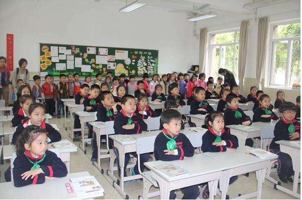 记果果幼儿园和徐汇实验幼儿园的师生来我校参观活动